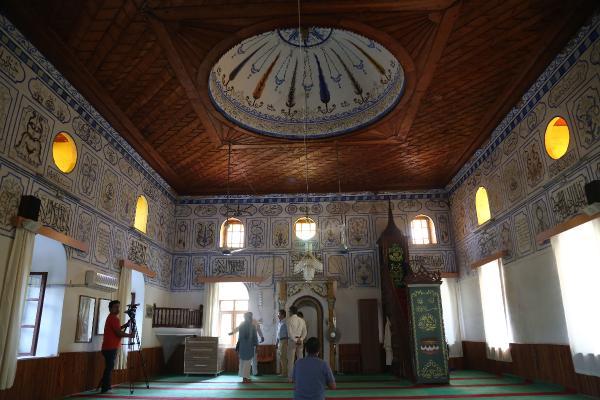 Portakal bahçelerinin arasındaki 115 yıllık camide restorasyon