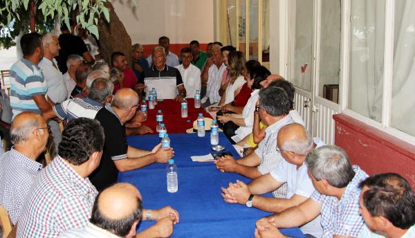 Baykal, Adrasan'da vatandaşlarla sohbet etti