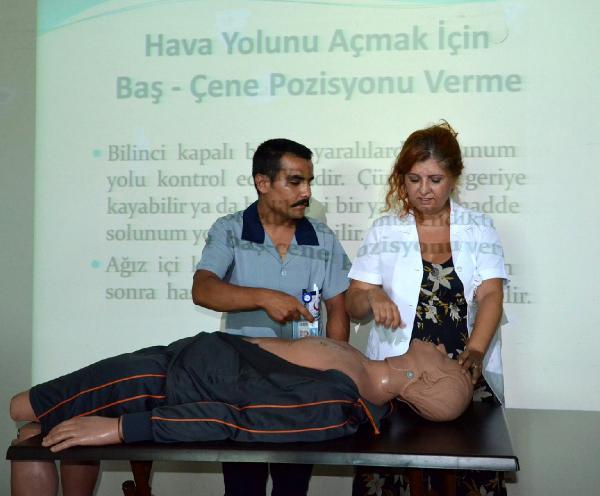 Hastane çalışanlarına temel yaşam eğitimi