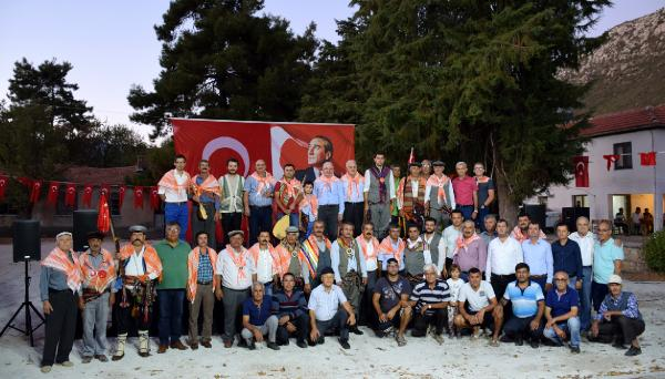 Bezirgan Yaylası'nda türkü şöleni