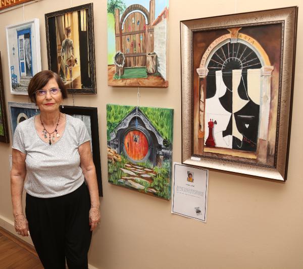 74 yaşında resim yapmaya başladı