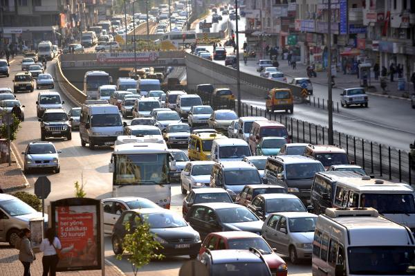 Batı Akdeniz'de 1.8 milyon araç var