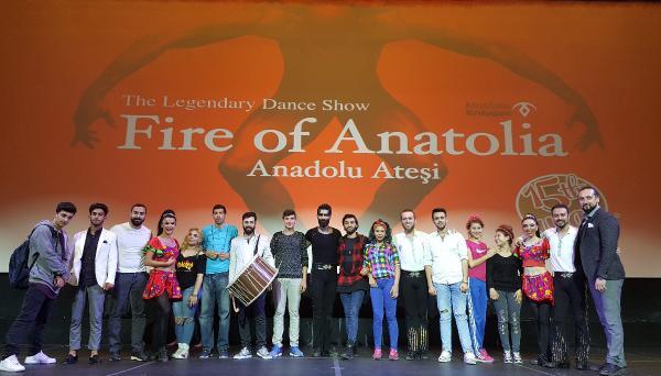 Romanlar, Anadolu Ateşi'yle aynı sahnede