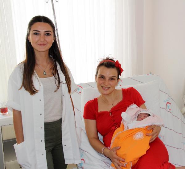 Hastanede 'Hoş geldin Bebek' uygulaması