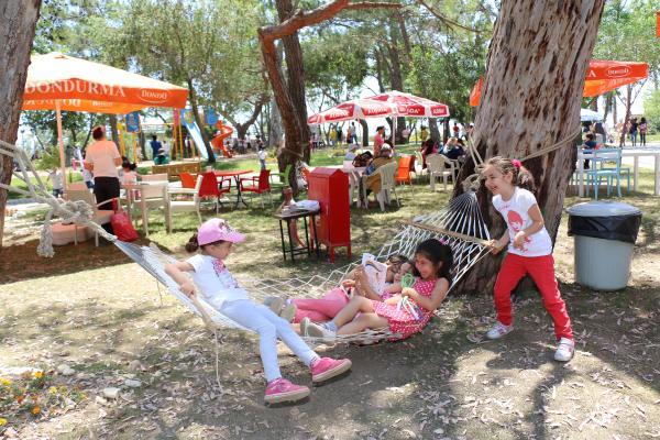 Kadınlar Plajı'na 350 bin ziyaretçi