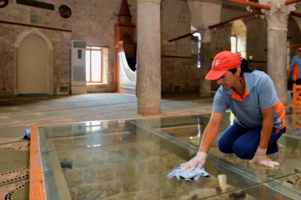 8 asırlık camiye özel temizlik
