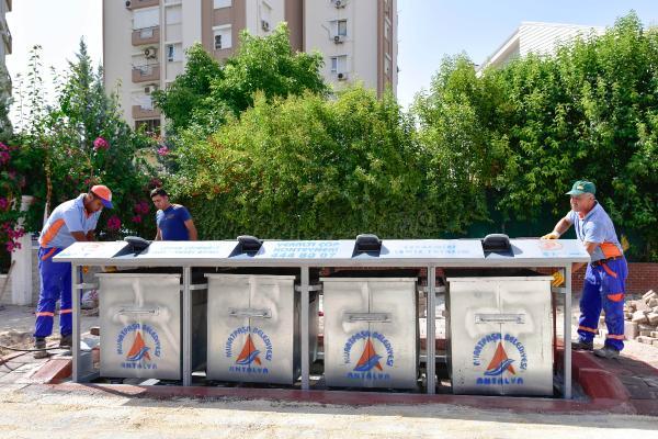Çöp konteynerleri yeraltına