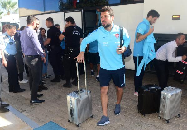 A Milliler Antalya'dan ayrıldı