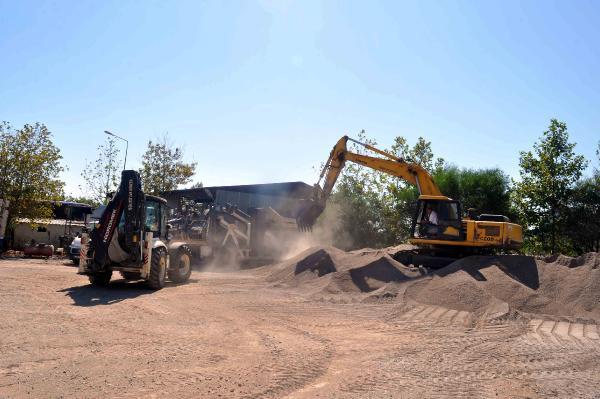 Kemer Belediyesi'nden kum eleme tesisi