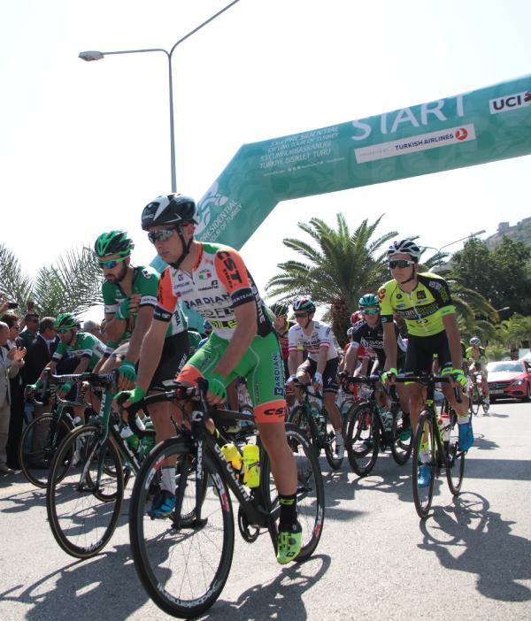 Cumhurbaşkanlığı Bisiklet Turu 'Alanya-Kemer' etabıyla başladı