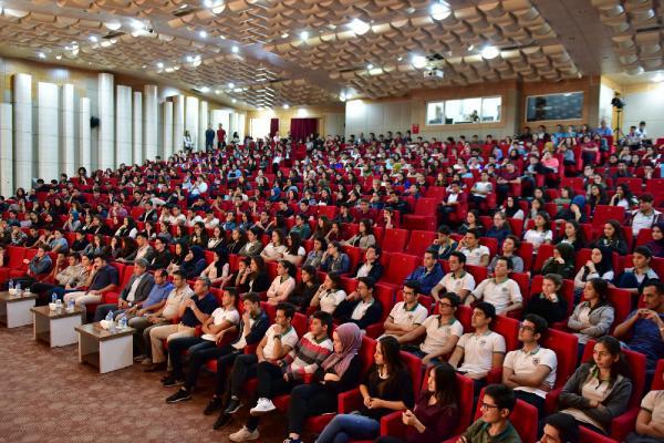 Prof. Özkan'dan öğrencilere kariyer tavsiyeleri