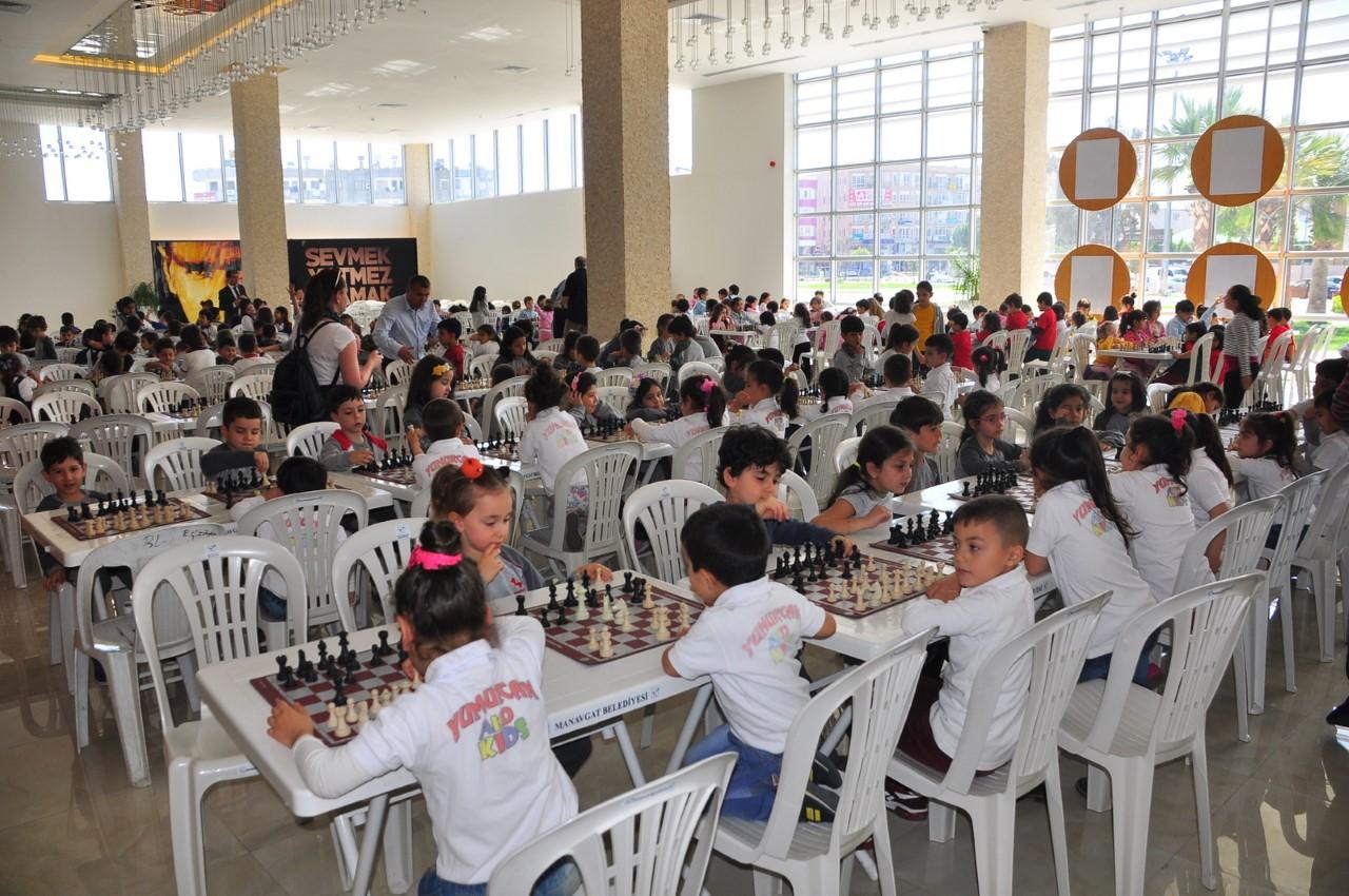 Manavgat Belediyesi'nden  29 Ekim Satranç Turnuvası