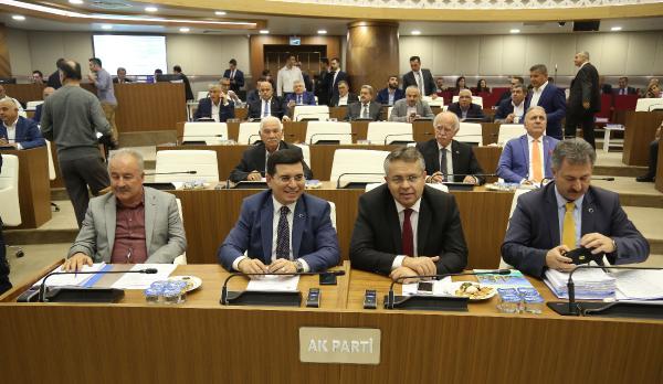 Büyükşehir Meclisi'nden Ümit Uysal'ı üzecek karar