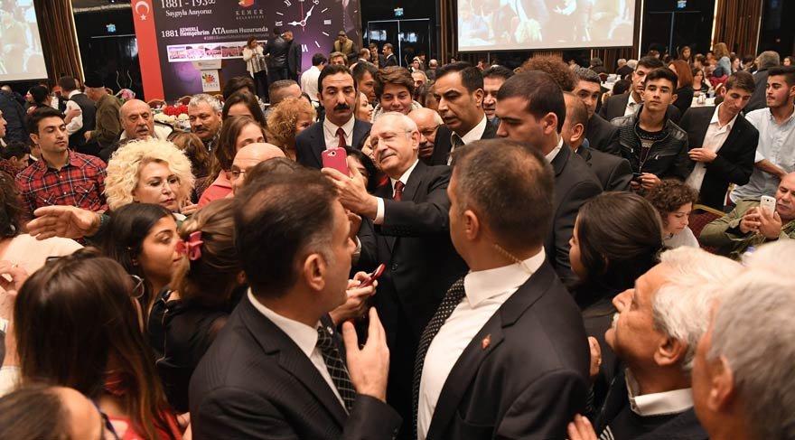 Kılıçdaroğlu, Ankara'ya giden 1881 Kemer'li bayanlar ile buluştu