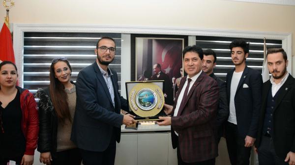 CHP'li gençlerden Başkan Gül'e ziyaret