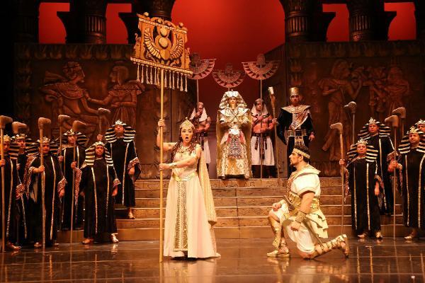 Yeni yılın ilk eseri Aida operası