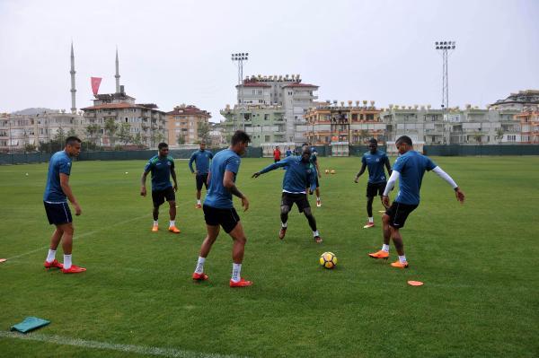 """Aytemiz Alanyaspor Teknik Direktörü Bakkal: """"Futbolda favori olmaz"""""""