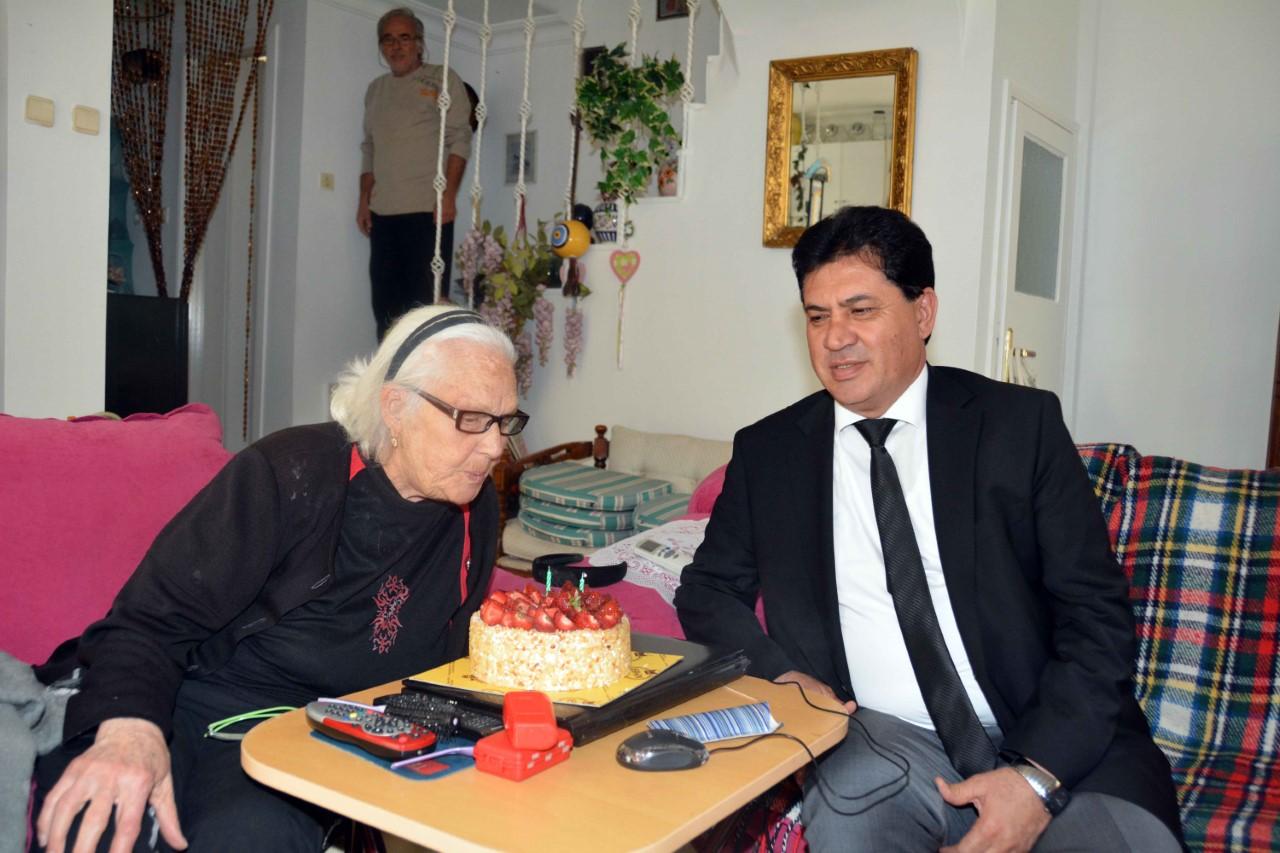 Başkan Gül'den saygı ziyaretleri