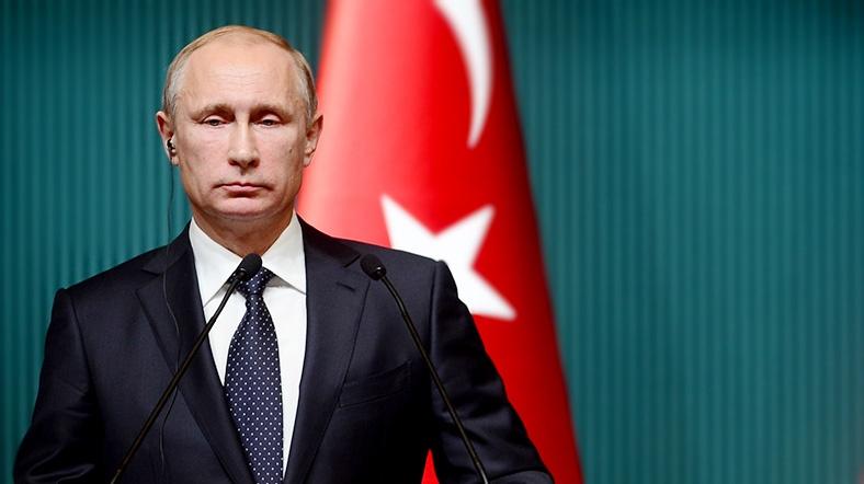 Putin'in zaferi, Kemer ve Alanya ilçelerinde yaşayan Rusları da mutlu etti