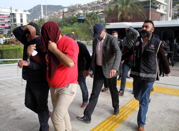 Antalya'nın Alanya İlçesinde tefeci operasyonu: 14 tutuklu