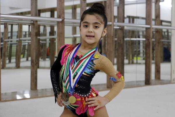 Alerjisi nedeniyle başladığı jimnastikte altın madalya kazandı