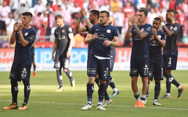 ELİMİZDEN KAÇIRDIK Antalyaspor – Atiker Konyaspor: 0-0