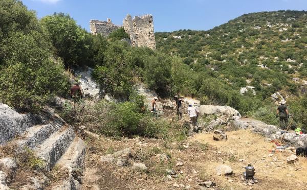 Myra Antik Kenti'nde 2 bin 400 yıllık toplantı yapısı keşfedildi