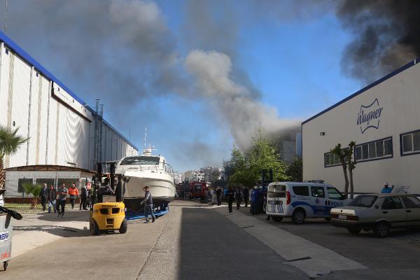 Antalya Serbest Bölge'de yangın: 2 yat, 1 tekne yandı (2) – Yeniden