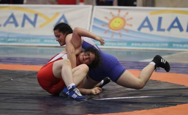 Alanya'da güreş heyecanı başladı