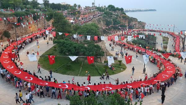 Antalya'da Fener Alayı'nda 15 bin kişi yürüdü