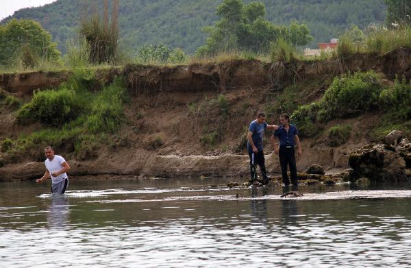 Irmağa düşen 5 yaşındaki Samet aranıyor