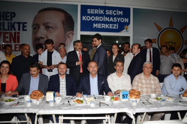 Çavuşoğlu: YPG'nin sınırımızın diğer tarafından çıkarılması için ABD ile çalışıyoruz