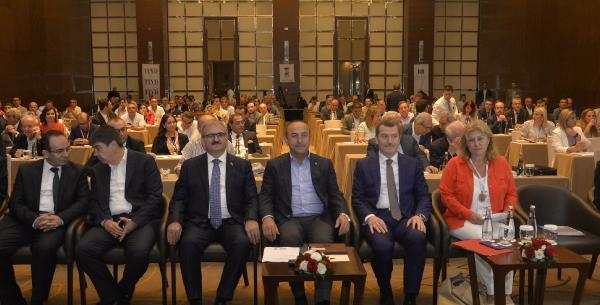 Çavuşoğlu: Turizm Bakanlığı devam edecek- Yeniden