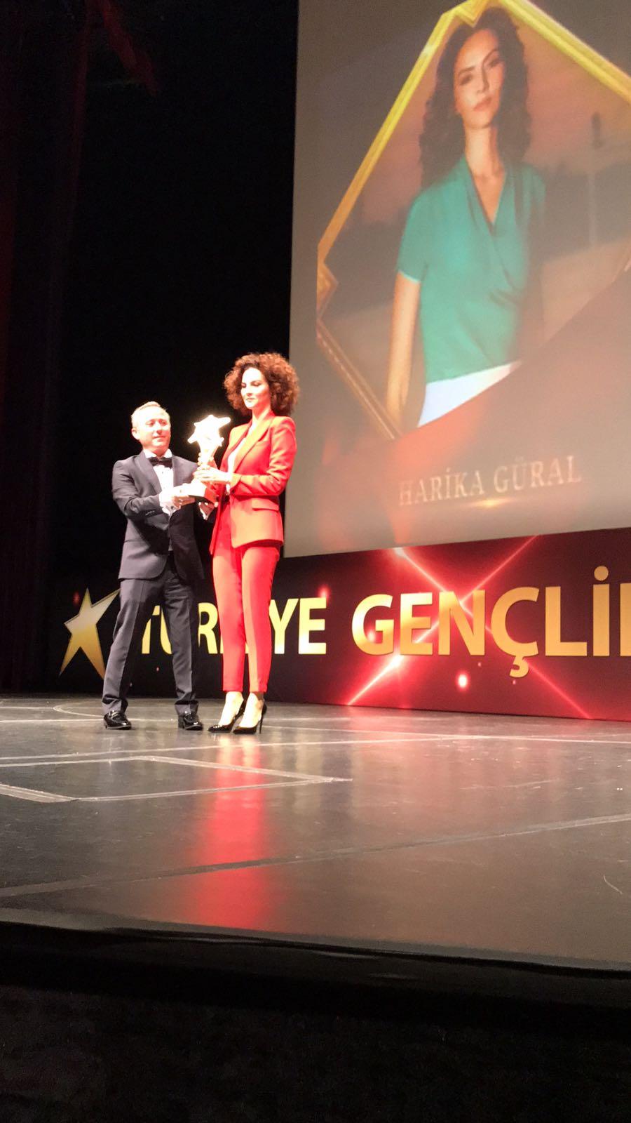 Harika Güral'a 'En İyi Genç İş Kadını' ödülü