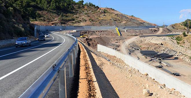 Kemer-Kumluca yolu ulaşıma açıldı