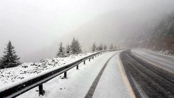 Kar nedeniyle Akseki- Konya yolu ulaşıma kapandı