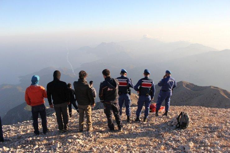 Antalya Tahtalı Dağı'ndan Atlayış Yapıp Düşen Fransız Paraşütçü Kurtarıldı