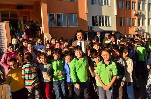 Başkan Gül'e Öğrencilerden Sevgi Yumağı