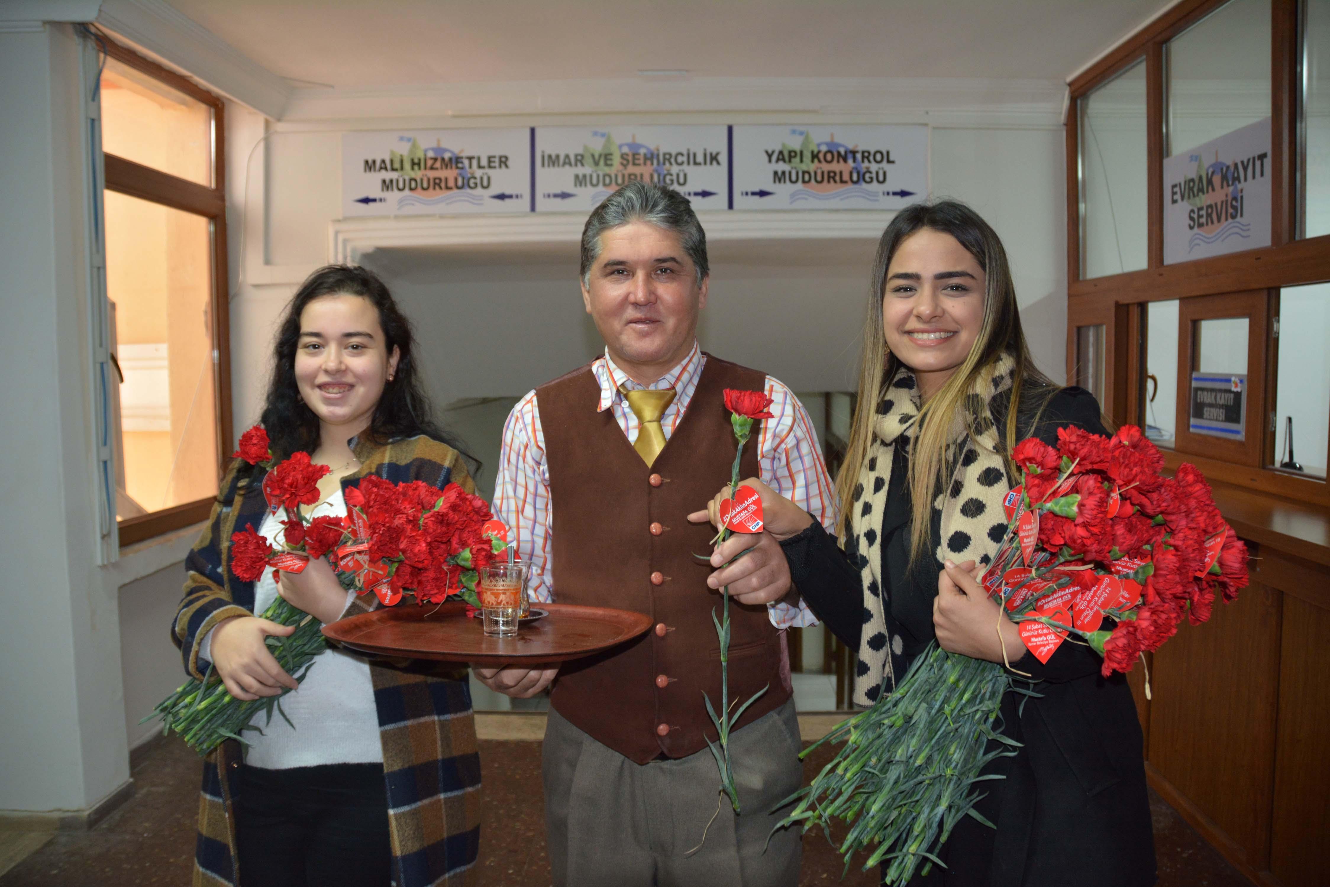 Başkan Gül'den 14 Şubat hediyesi