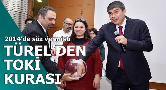 Türel'den turizm çalışanlarına TOKİ konutları