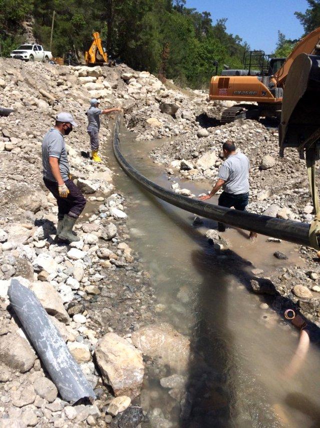 ASAT Kemer'de sorunlu içme suyu hattını yeniledi