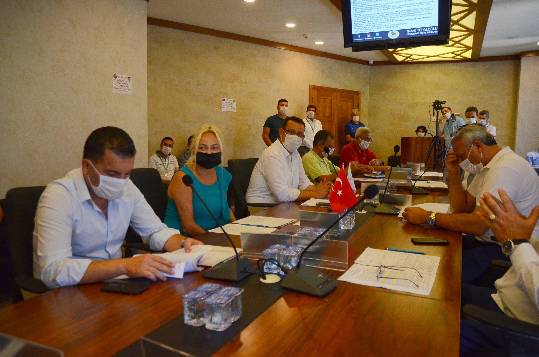 Kemer Belediyesi aylık olağan meclis toplantısını gerçekleştirdi