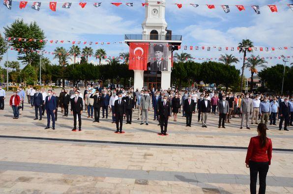 29 Ekim Cumhuriyet Bayramı Kutlamaları Çelenk Sunma Töreni İle Başladı!