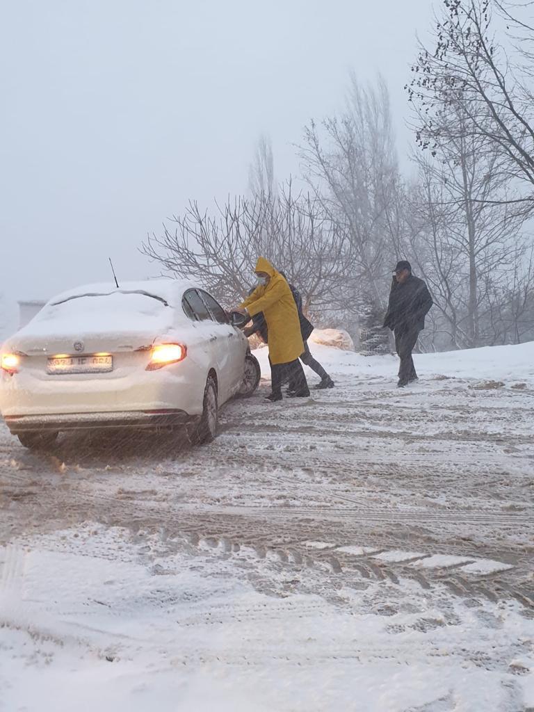 Konyaaltı'nda kar seferberliği