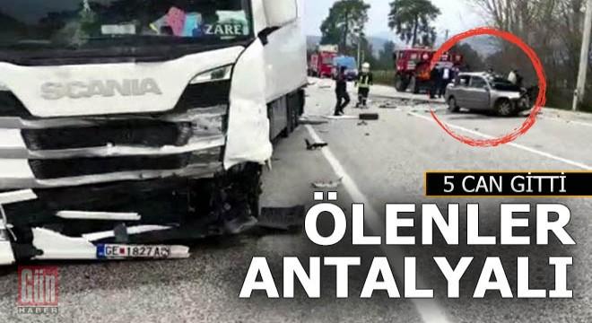 Antalya'dan 5 kişi kazada can verdi