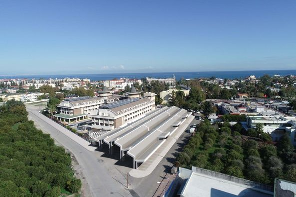 Kemer Kapalı Pazar Yeri İhalesi Antalya Büyükşehir Belediyesi tarafından gerçekleştirildi.