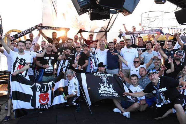 Kemer'li Beşiktaşlılar Şampiyonluğu Denizde Kutladı!