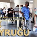 Antalya'da yüzlerce metrelik aşı kuyruğu