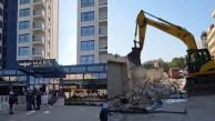 Otelin kaçak bölümleri yıkılıyor Darısı kemerin Başına…